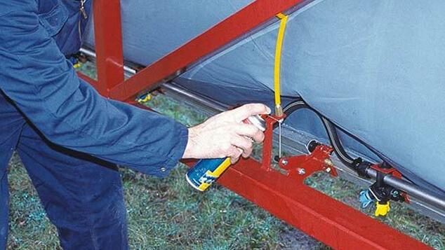 service-support-sprayer-service-rust-prevention.jpg